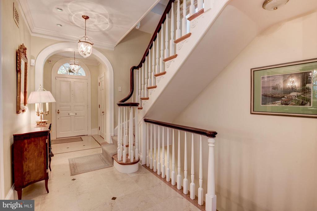 Foyer - 1691 34TH ST NW, WASHINGTON