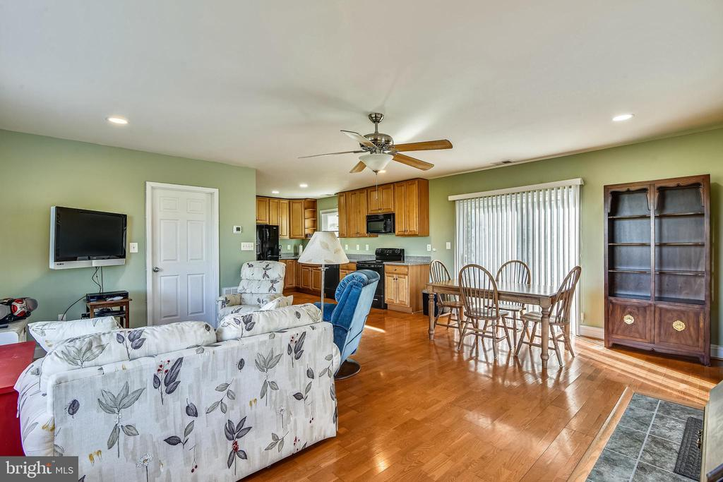 Guest House Open Floor Plan - 37195 KOERNER LN, PURCELLVILLE