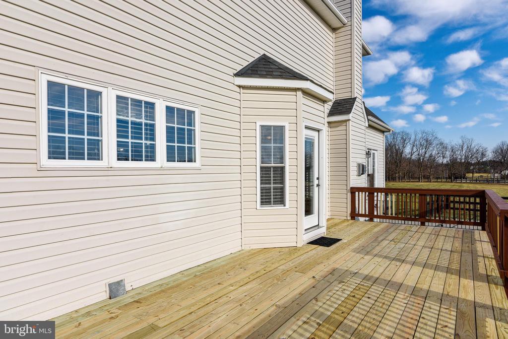 Outdoor Deck - 37195 KOERNER LN, PURCELLVILLE