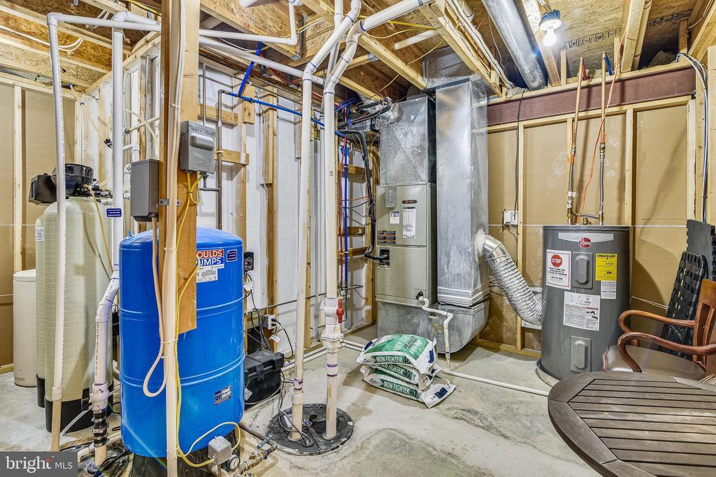 Utility Room - 37195 KOERNER LN, PURCELLVILLE