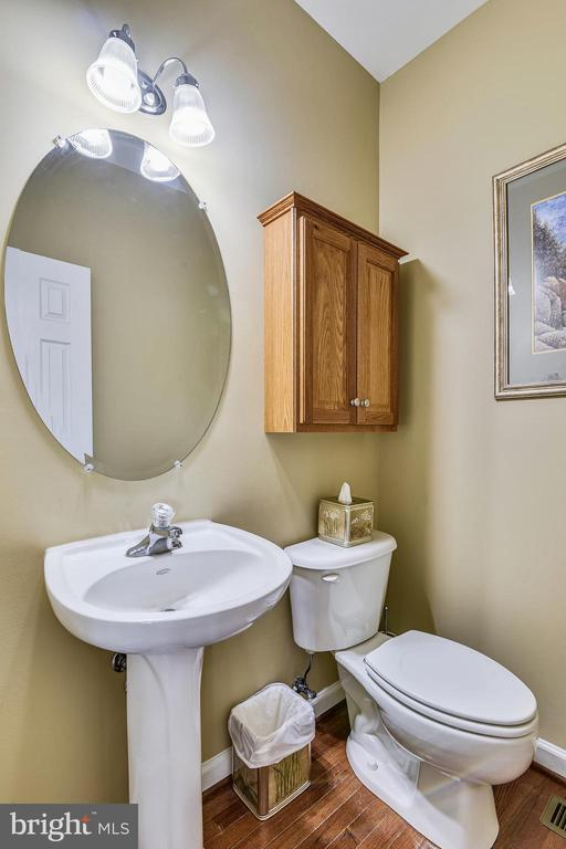 Powder Bathroom - 37195 KOERNER LN, PURCELLVILLE