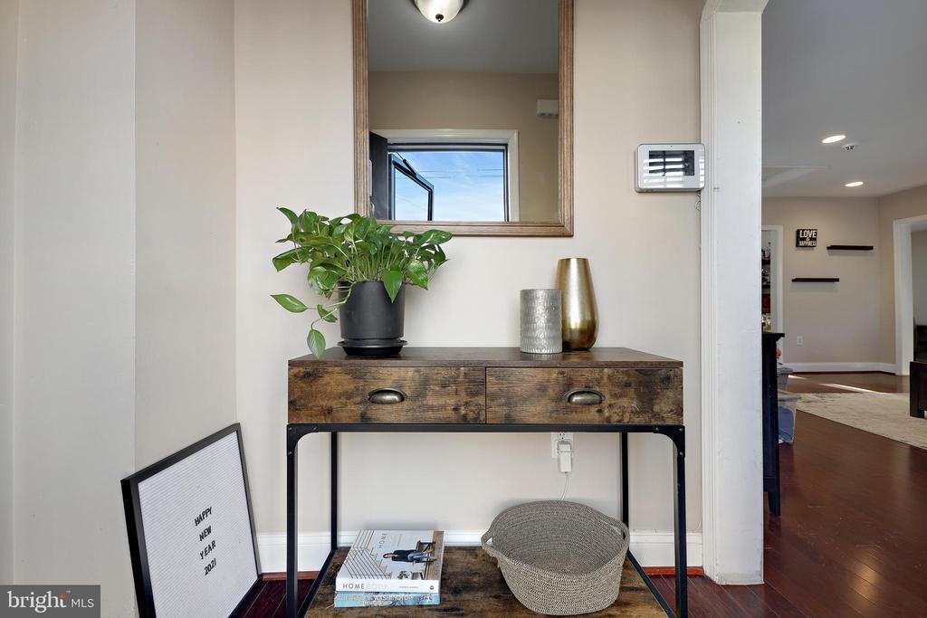 foyer - 4821 QUARLES ST NE, WASHINGTON
