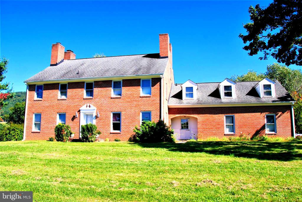 Estate home - 12138 HARPERS FERRY RD, PURCELLVILLE