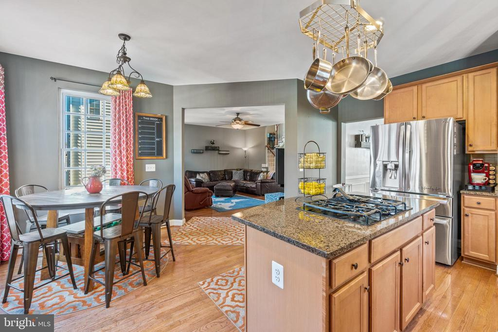 Kitchen  with Breakfast Area - 11924 RICKETTS BATTERY DR, BRISTOW