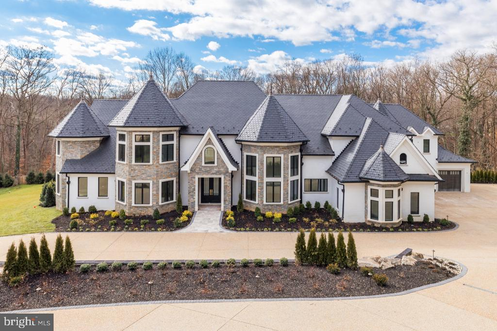 Magnificent Luxury Home! - 1332 MCCAY LN, MCLEAN