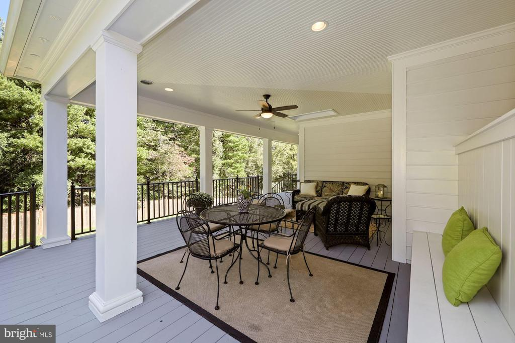 Covered porch is perfect spot to relax - 1901 ALLANWOOD PL, SILVER SPRING