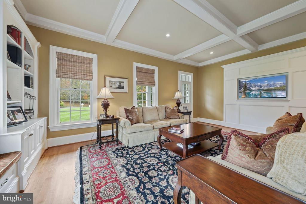 TV area. Window seat here & Game area - 1901 ALLANWOOD PL, SILVER SPRING
