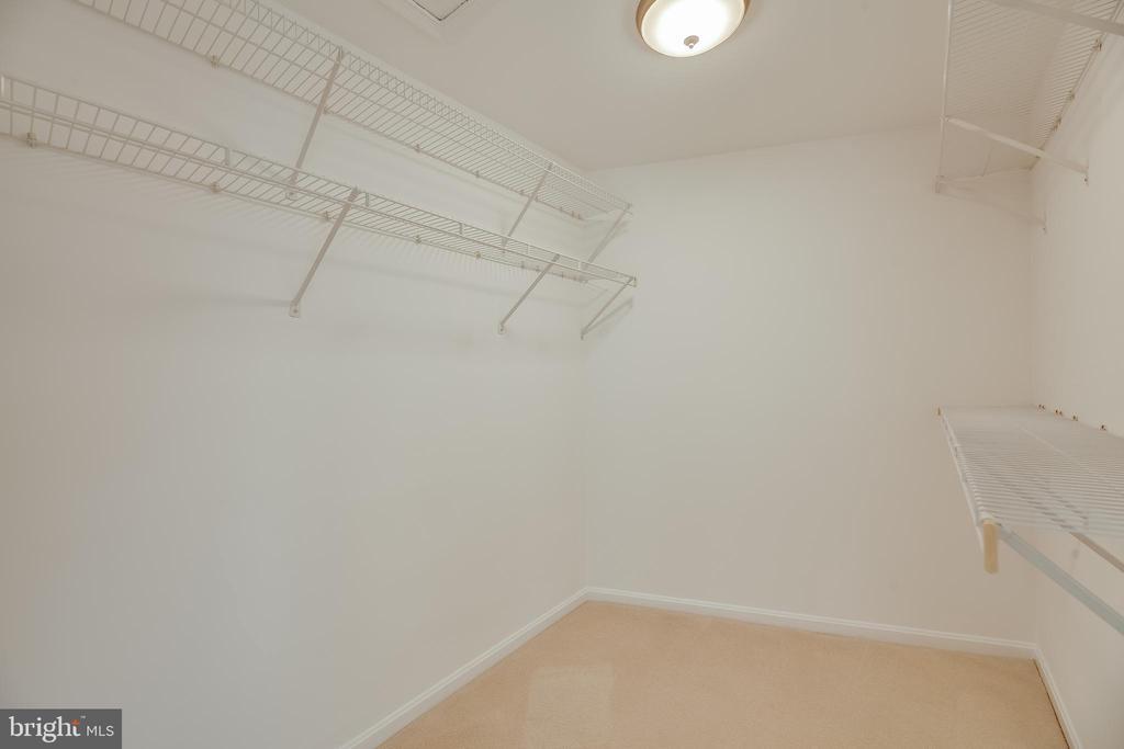 HUGE walk-in closet for primary bedroom - 7258 LIVERPOOL CT, ALEXANDRIA