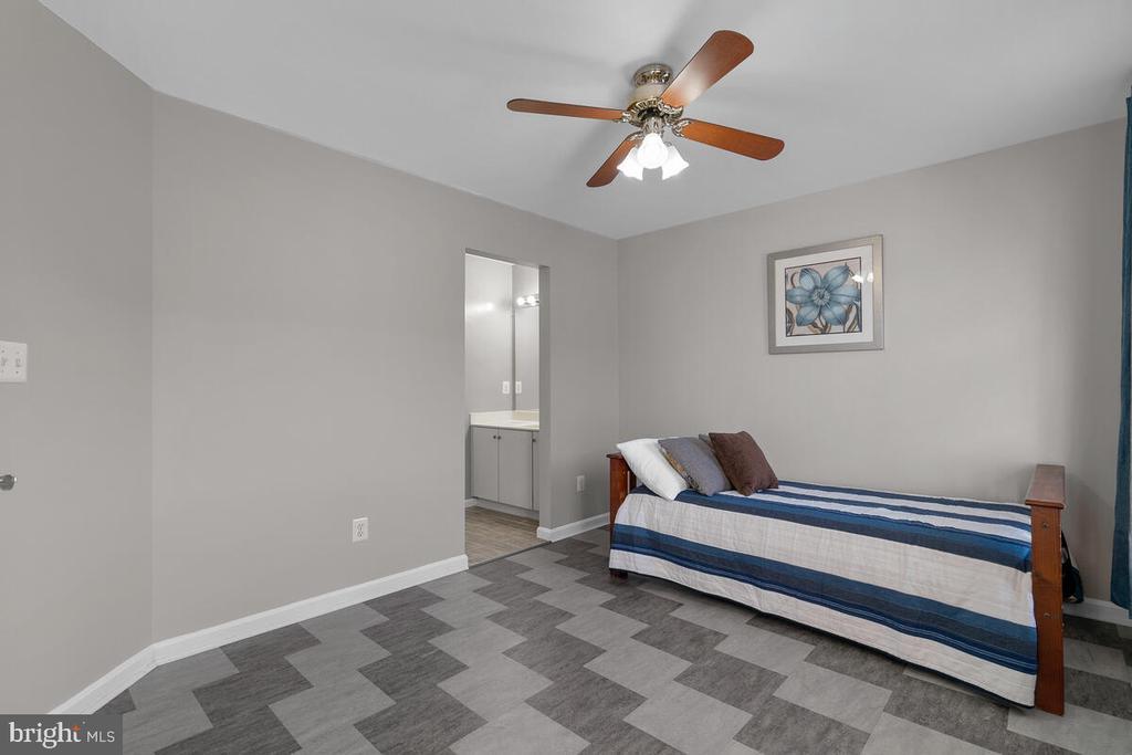 3RD BEDROOM - 25487 FLYNN LN, CHANTILLY