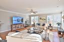 Crown molding and hardwood floors - 11322 SCOTT PETERS CT, MANASSAS