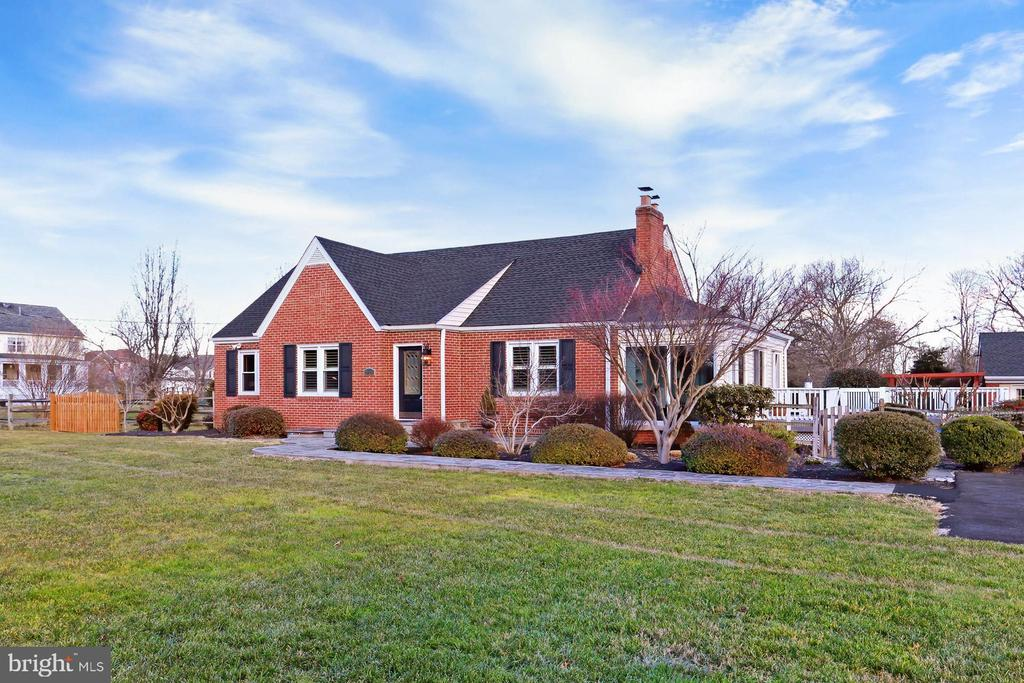 Built in 1950; lovingly maintained & updated! - 9401 OX RD, LORTON