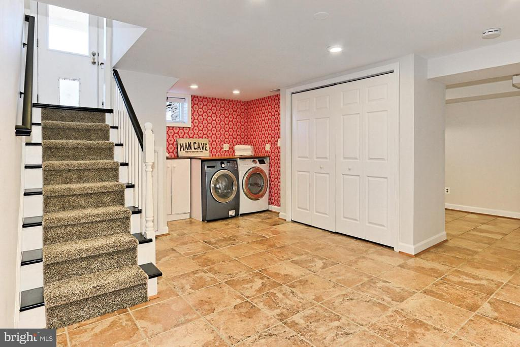 Convenient laundry area with large closet - 9401 OX RD, LORTON