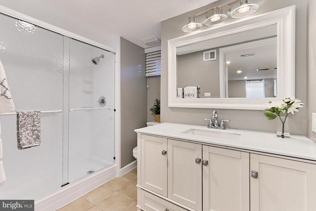 Updated lower level full bath - 9401 OX RD, LORTON