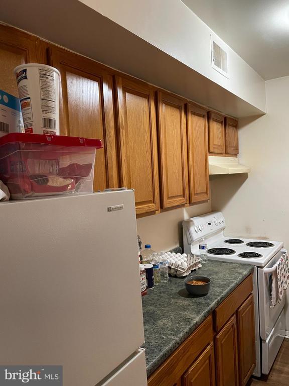 Kitchen - 120 ADAMS DR NE, LEESBURG