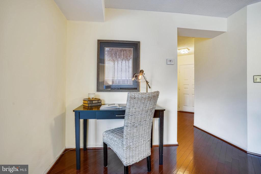 The perfect space for your home office - 2100 LEE HWY #344, ARLINGTON