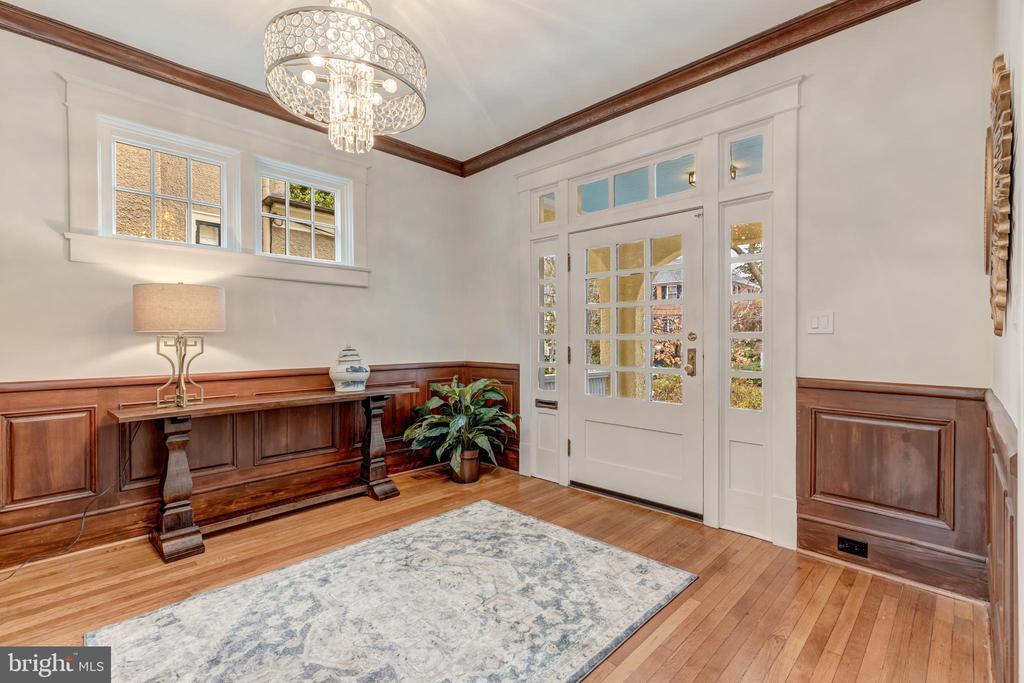 Foyer - 3510 MACOMB ST NW, WASHINGTON