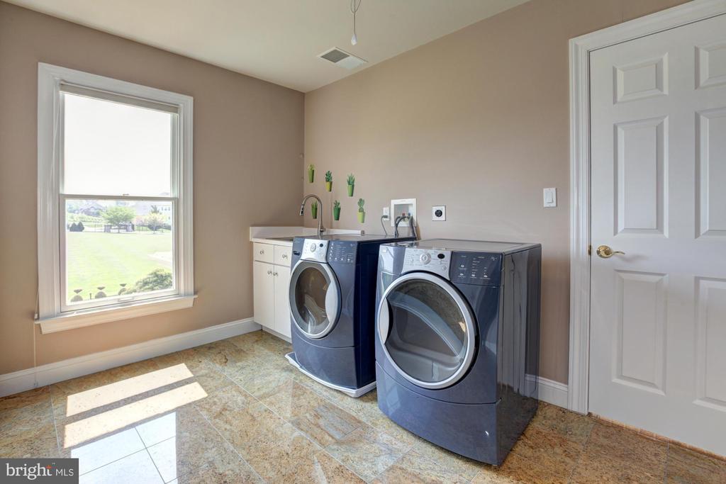 Upper Level Laundry Room - 15325 MASONWOOD DR, GAITHERSBURG