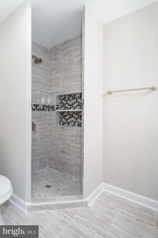 Master Bathroom - 4502 DIX ST NE, WASHINGTON