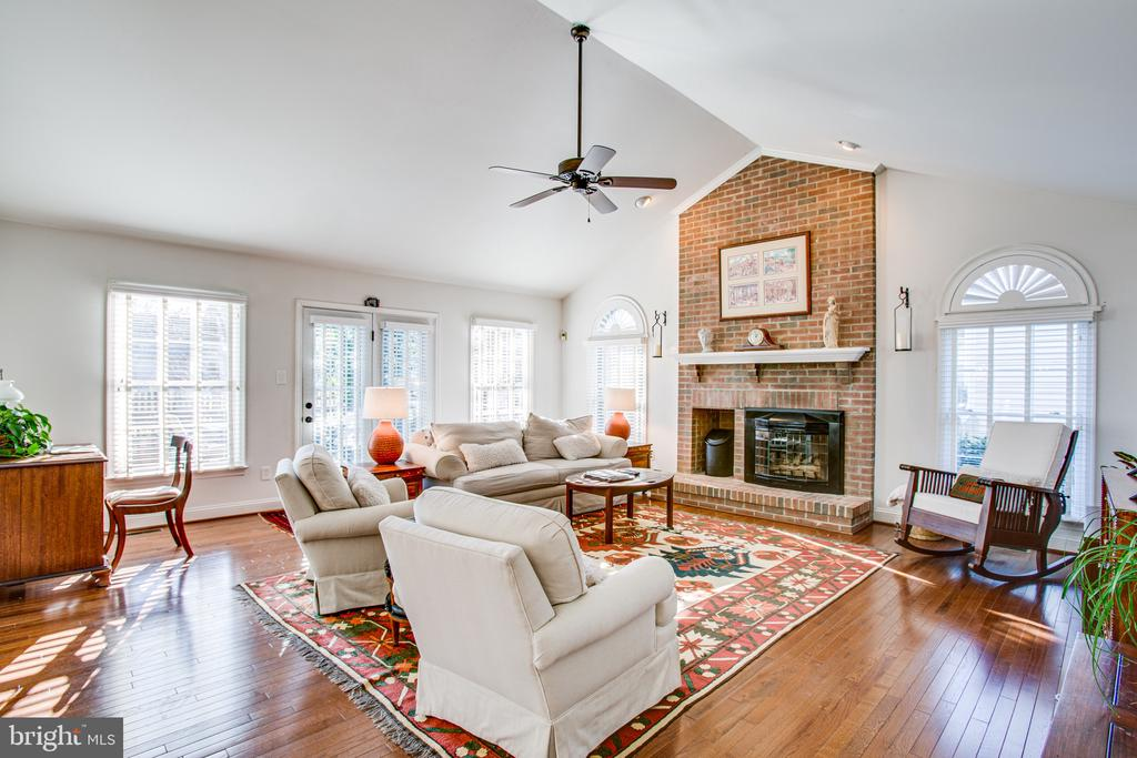 Brick hearth is the focal point of this room - 6102 NEW PEMBROOK LN, FREDERICKSBURG