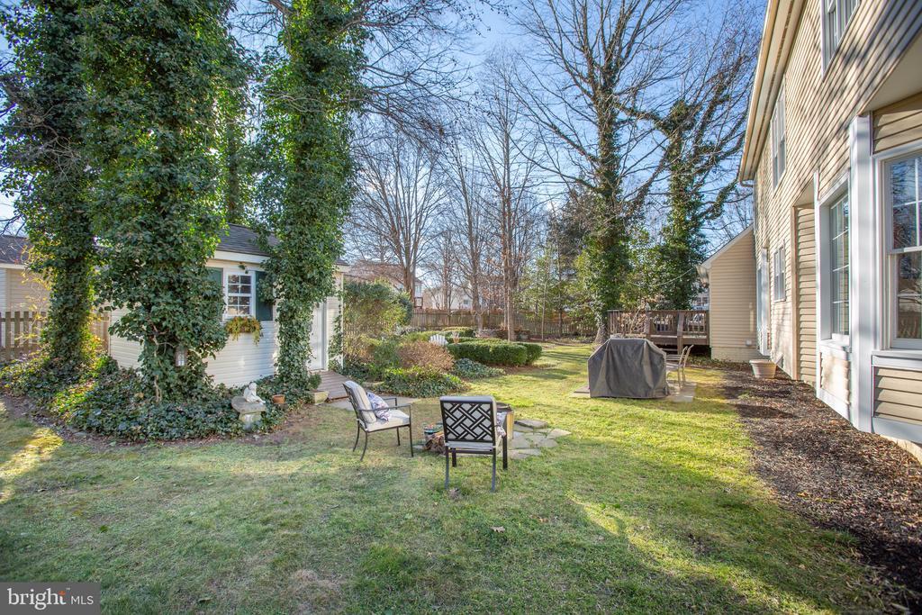 Mature landscaping - 6102 NEW PEMBROOK LN, FREDERICKSBURG