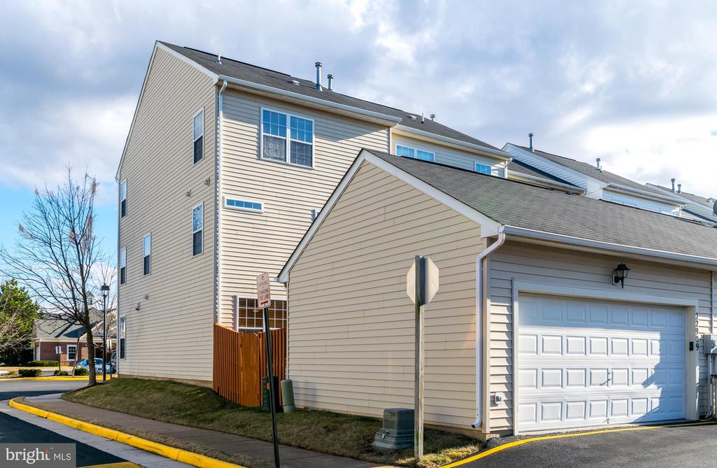 Detached Double  Car Garage adds Privacy - 22909 ADELPHI TER, STERLING