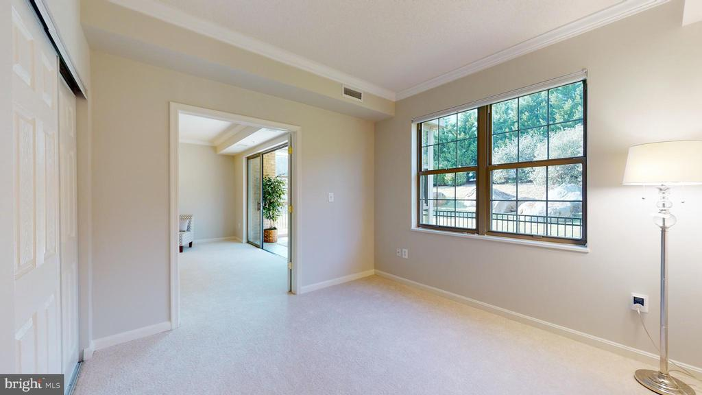Adjoins Living Room, so Great for Office or Sewing - 19350 MAGNOLIA GROVE SQ #103, LEESBURG