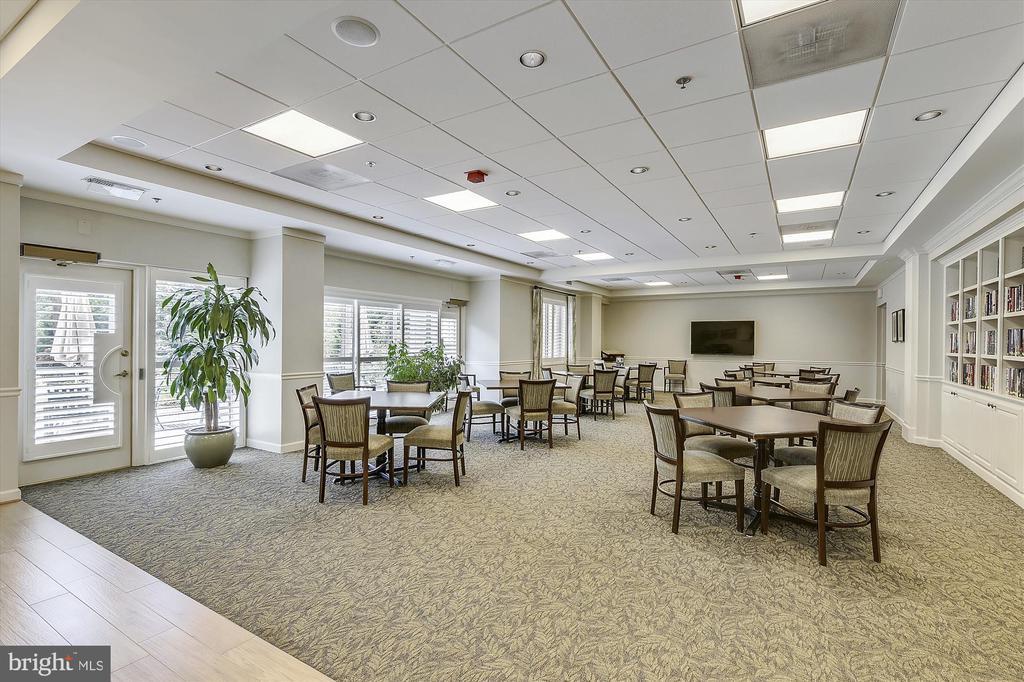 Blue Ridge Room for meetings and morning coffee - 19375 CYPRESS RIDGE TER #411, LEESBURG