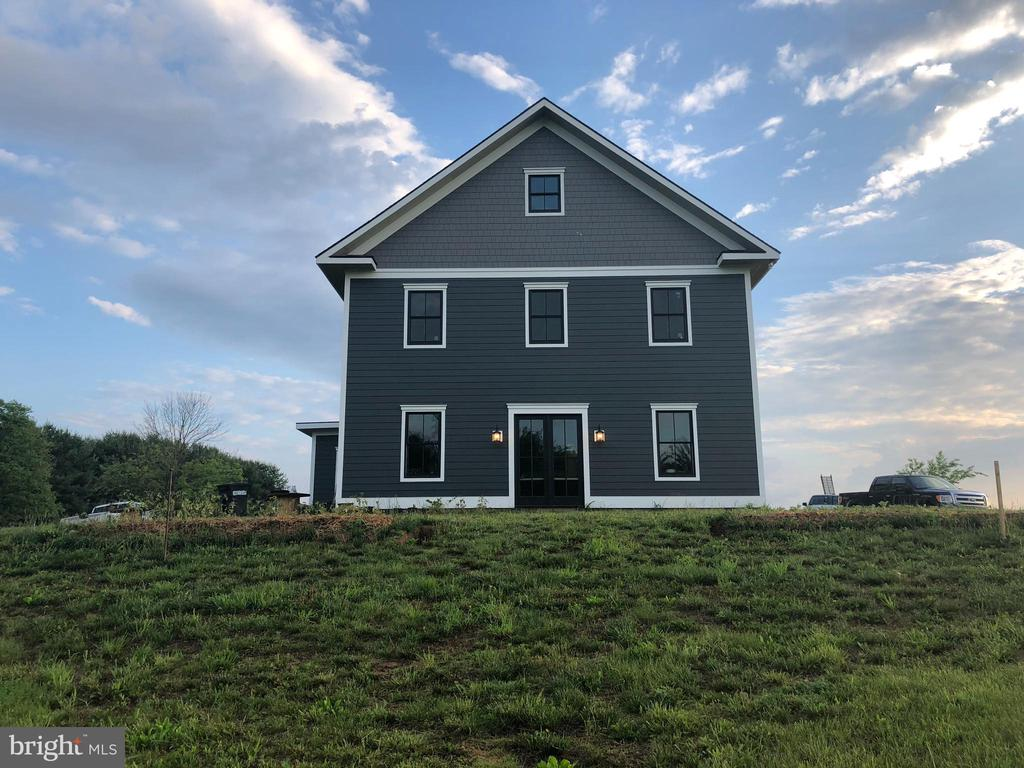 - 16195 PURCELLVILLE RD, PURCELLVILLE