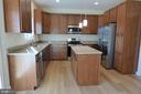 Kitchen - 1066 LAKEVIEW DR, STAFFORD