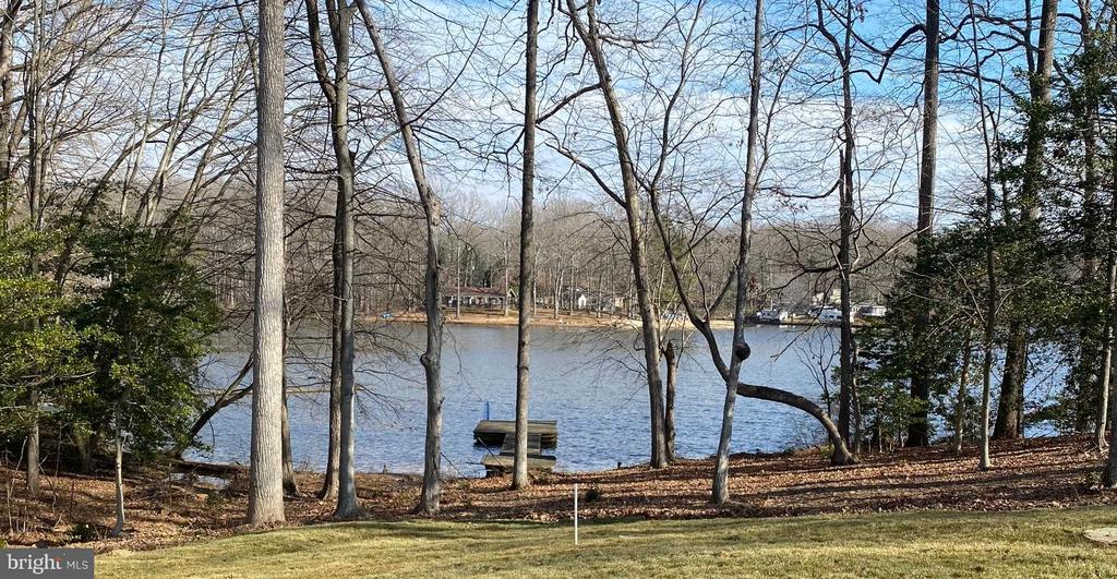 Dock on Lake Arrowhead - 1066 LAKEVIEW DR, STAFFORD
