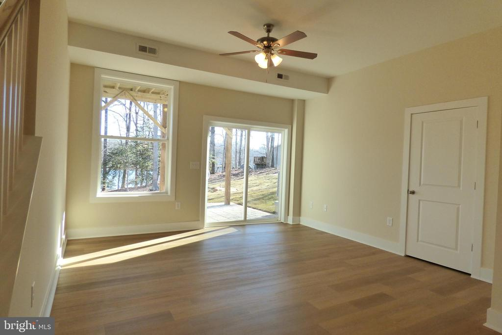 Finished Walkout Basement - 1066 LAKEVIEW DR, STAFFORD