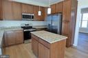Island - 1066 LAKEVIEW DR, STAFFORD