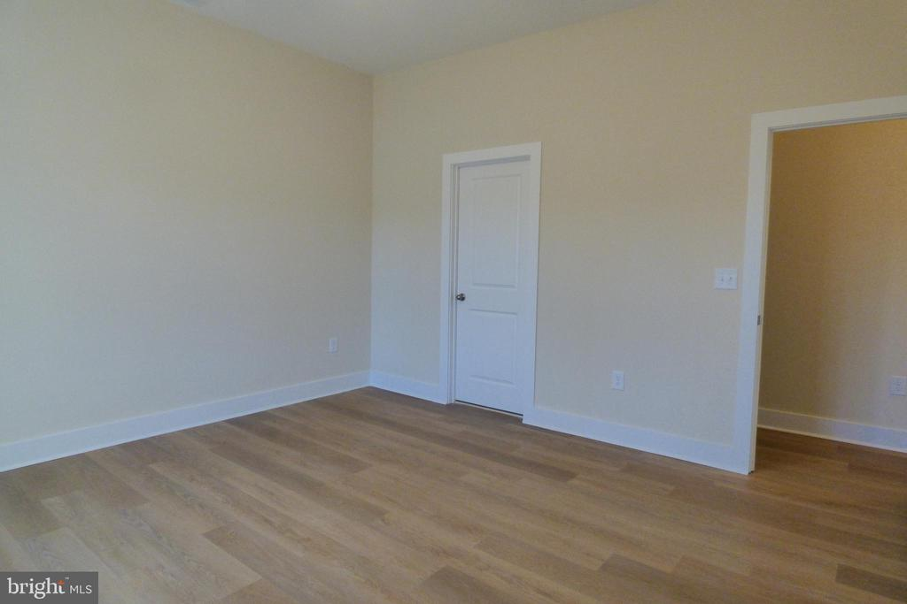 2nd Primary BR (3rd BR) - 1066 LAKEVIEW DR, STAFFORD