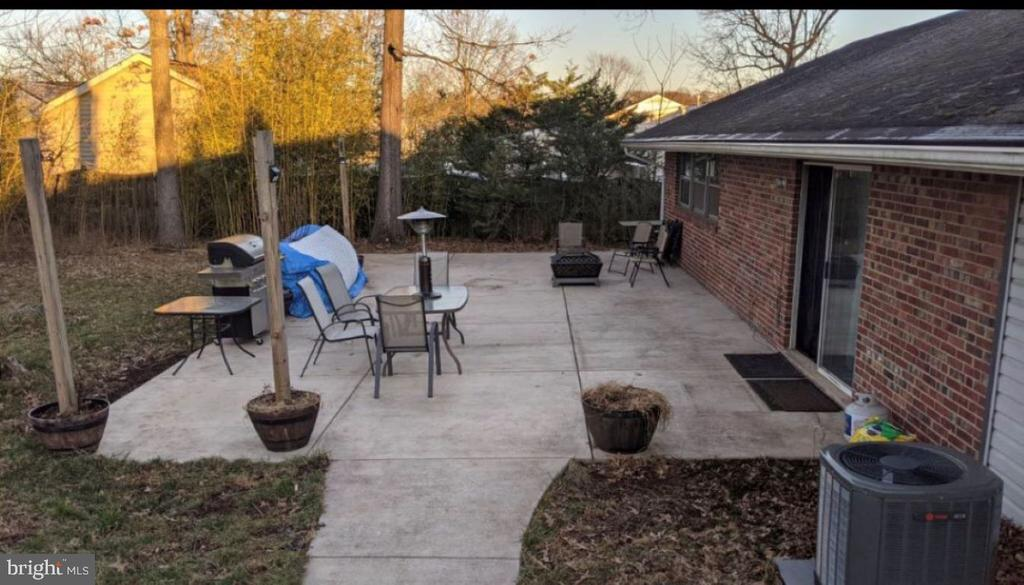 Patio added 2017 is 2/3 the length of the home - 5609 OTTAWA RD, CENTREVILLE