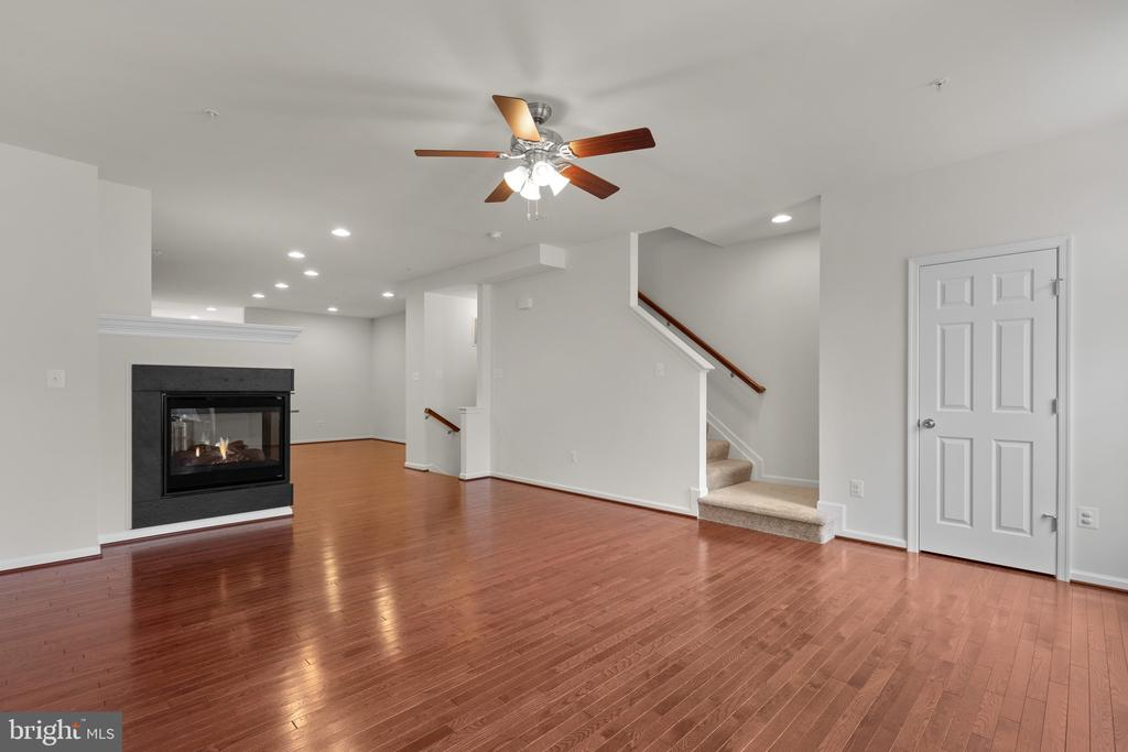 Open Floor Plan - 9' Ceilings - 7839 RIVER ROCK WAY, COLUMBIA