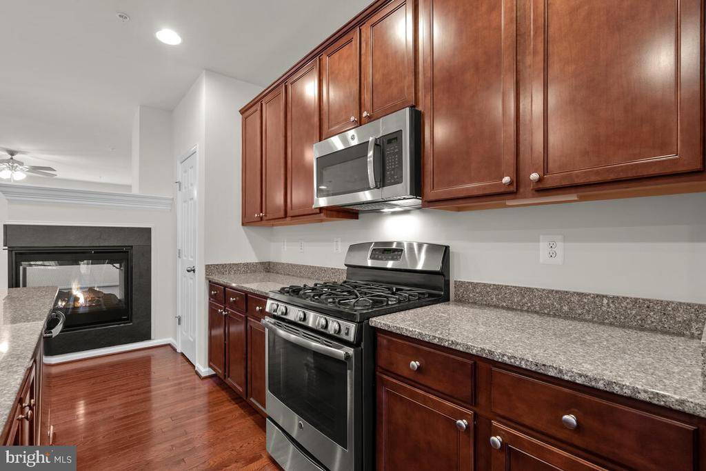Stainless Steel Appliances - 7839 RIVER ROCK WAY, COLUMBIA