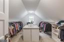 Large walk in closet - 4004 TAYLOR DR, FAIRFAX