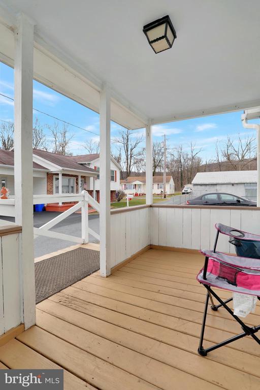 Front Porch - 8 S ALTAMONT AVE, THURMONT