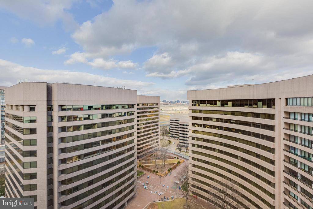 View of Pentagon and Rosslyn - 1300 CRYSTAL DR #PENTHOUSE 14, ARLINGTON