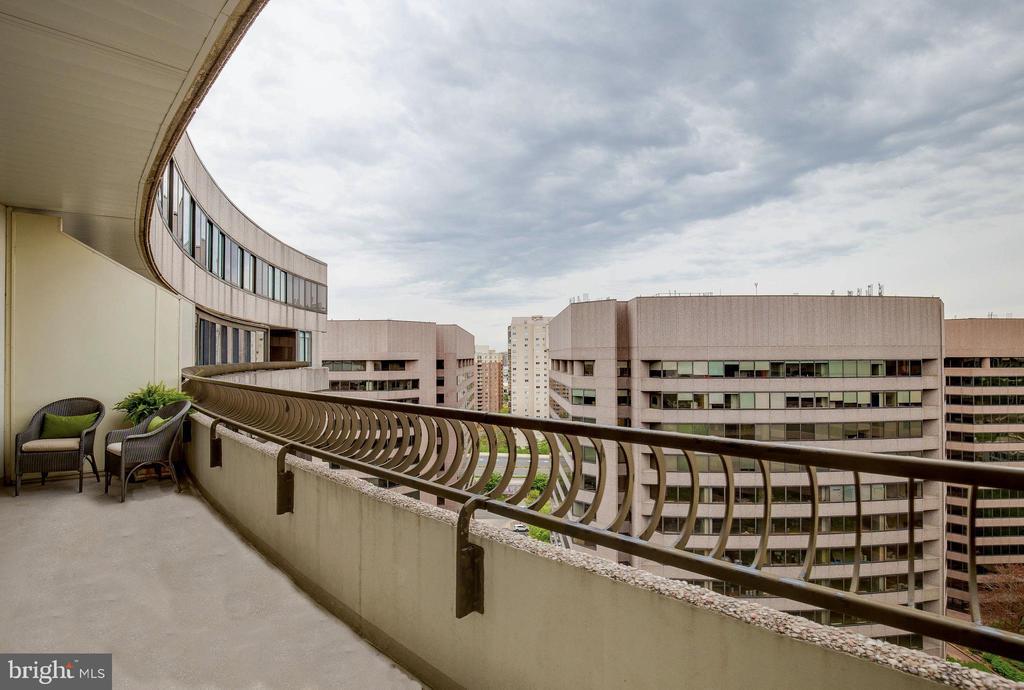 Balcony - 1300 CRYSTAL DR #PENTHOUSE 14, ARLINGTON