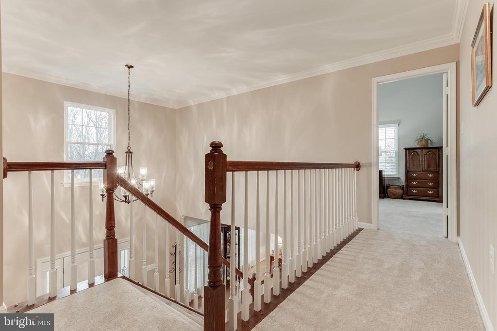 Upstairs Hall Leads to 5 Bedrooms & 3 Bathrooms - 609 MICHAEL PATRICK CT SE, LEESBURG