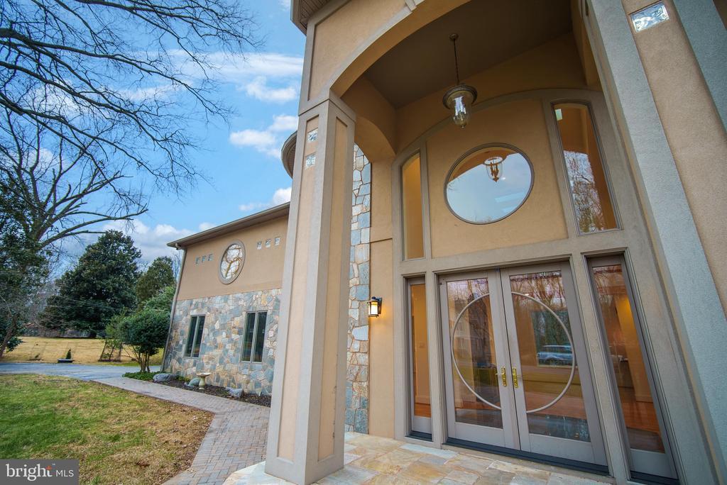 Entrance - 319 STONINGTON RD, SILVER SPRING