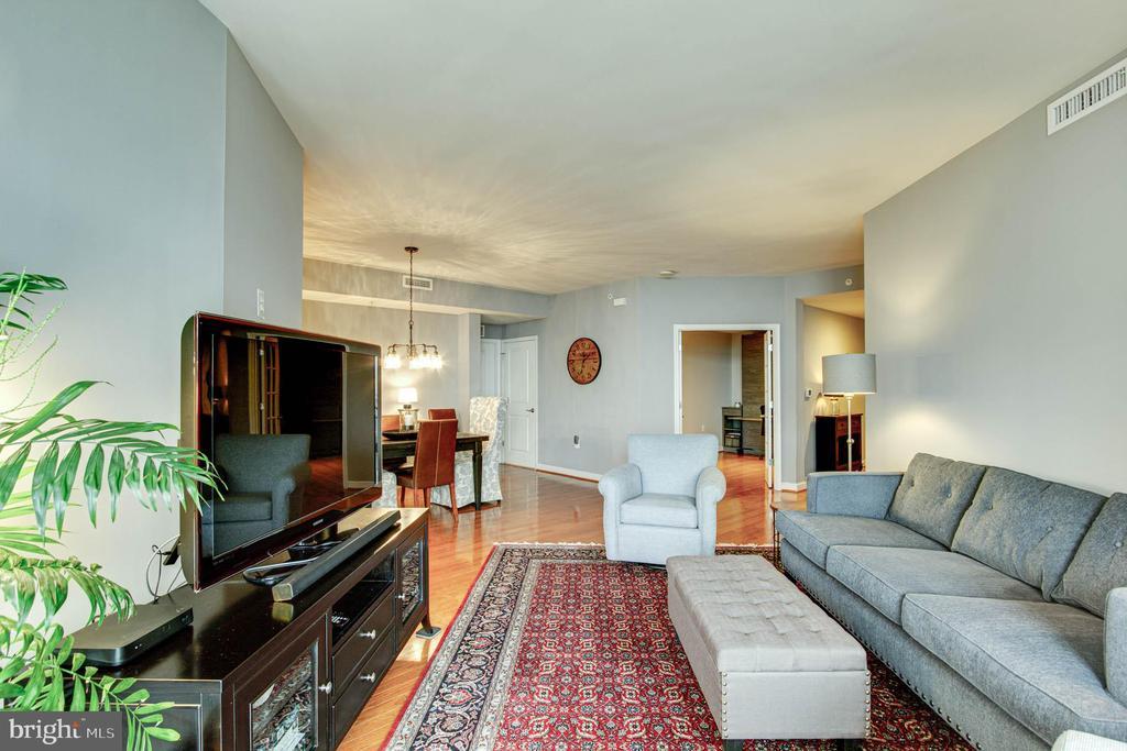 Living Room - 11990 MARKET ST #1301, RESTON