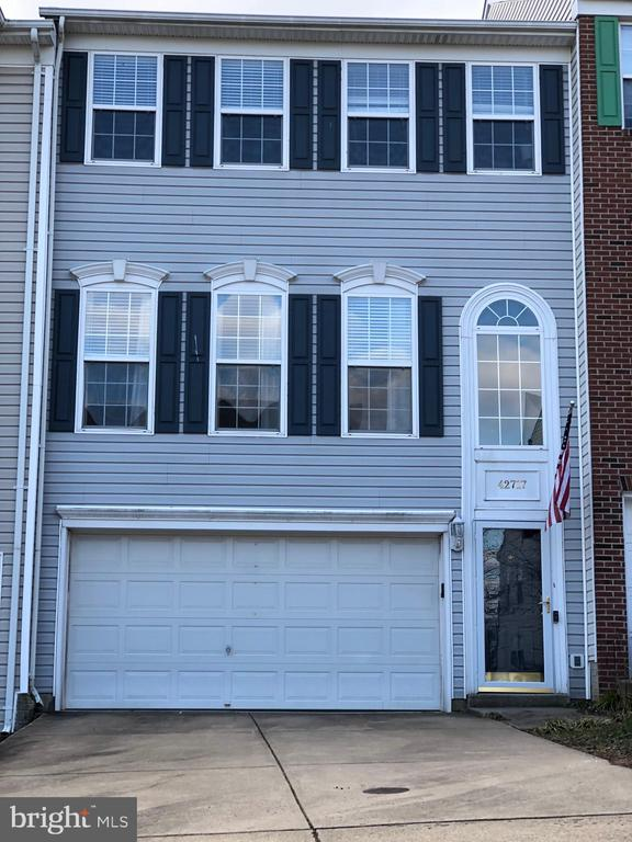 AVAILABLE TO VIEW ON 1/30/2021 - 42717 COOL BREEZE SQ, LEESBURG