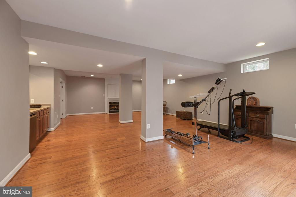 Recreation Room - 8192 COTTAGE ROSE CT, FAIRFAX STATION