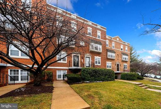 3823 PORTER ST NW #302