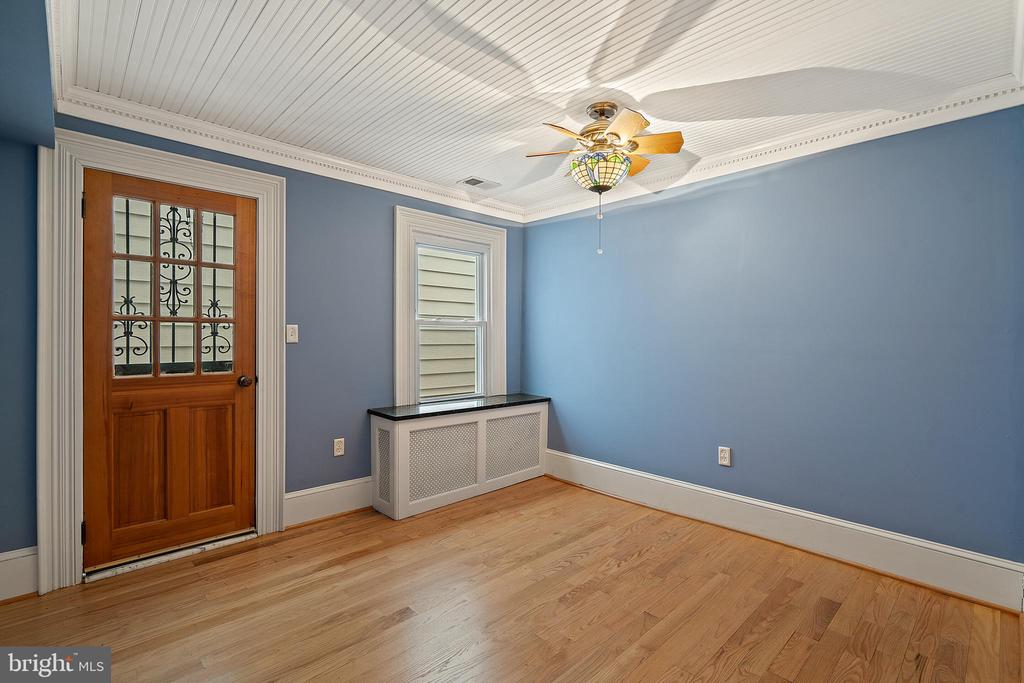 Another bedroom with private entry - 515 7TH ST SE, WASHINGTON