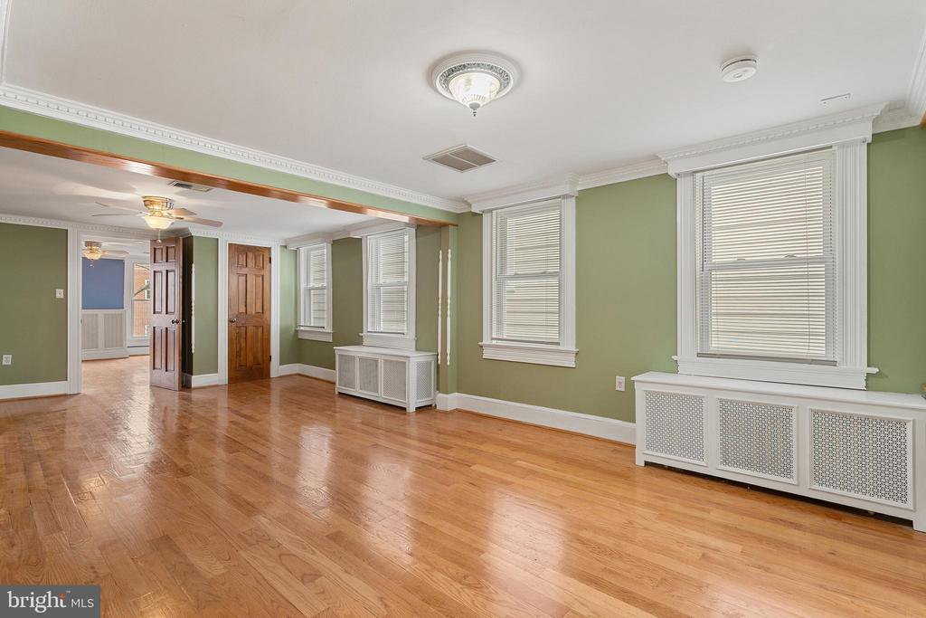 space for up to three bedrooms - 515 7TH ST SE, WASHINGTON