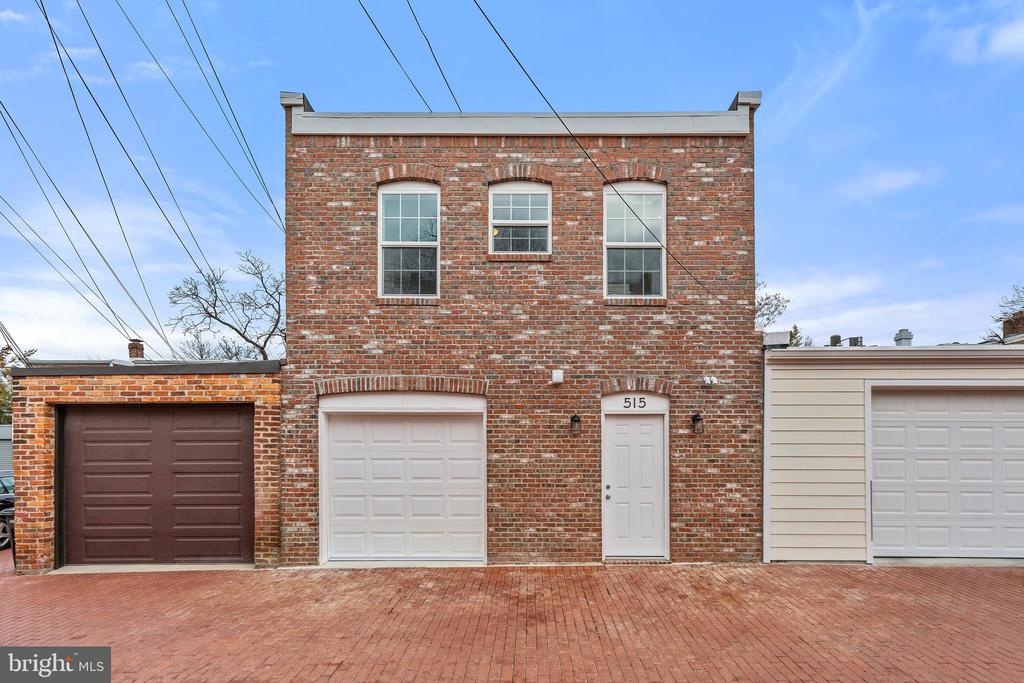 Attractive carriage house with private entry - 515 7TH ST SE, WASHINGTON