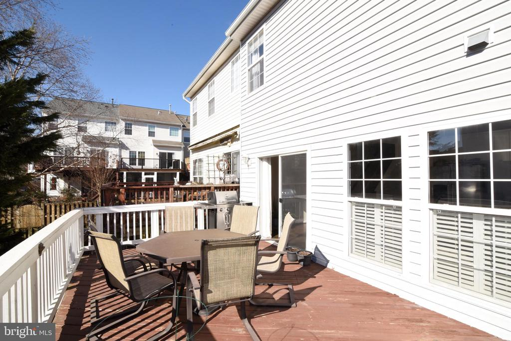 SPACIOUS DECK - 42717 COOL BREEZE SQ, LEESBURG